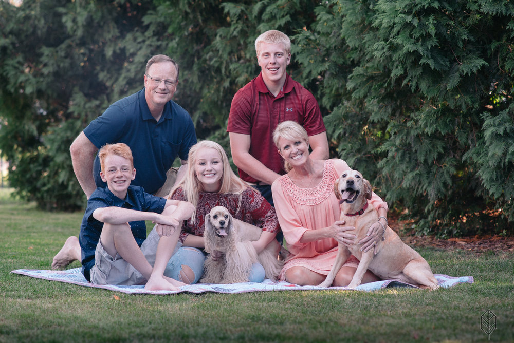 Johnsons Creative | The Burnetts, Family Photos, Photography, Cedar Falls, Iowa, Midwest