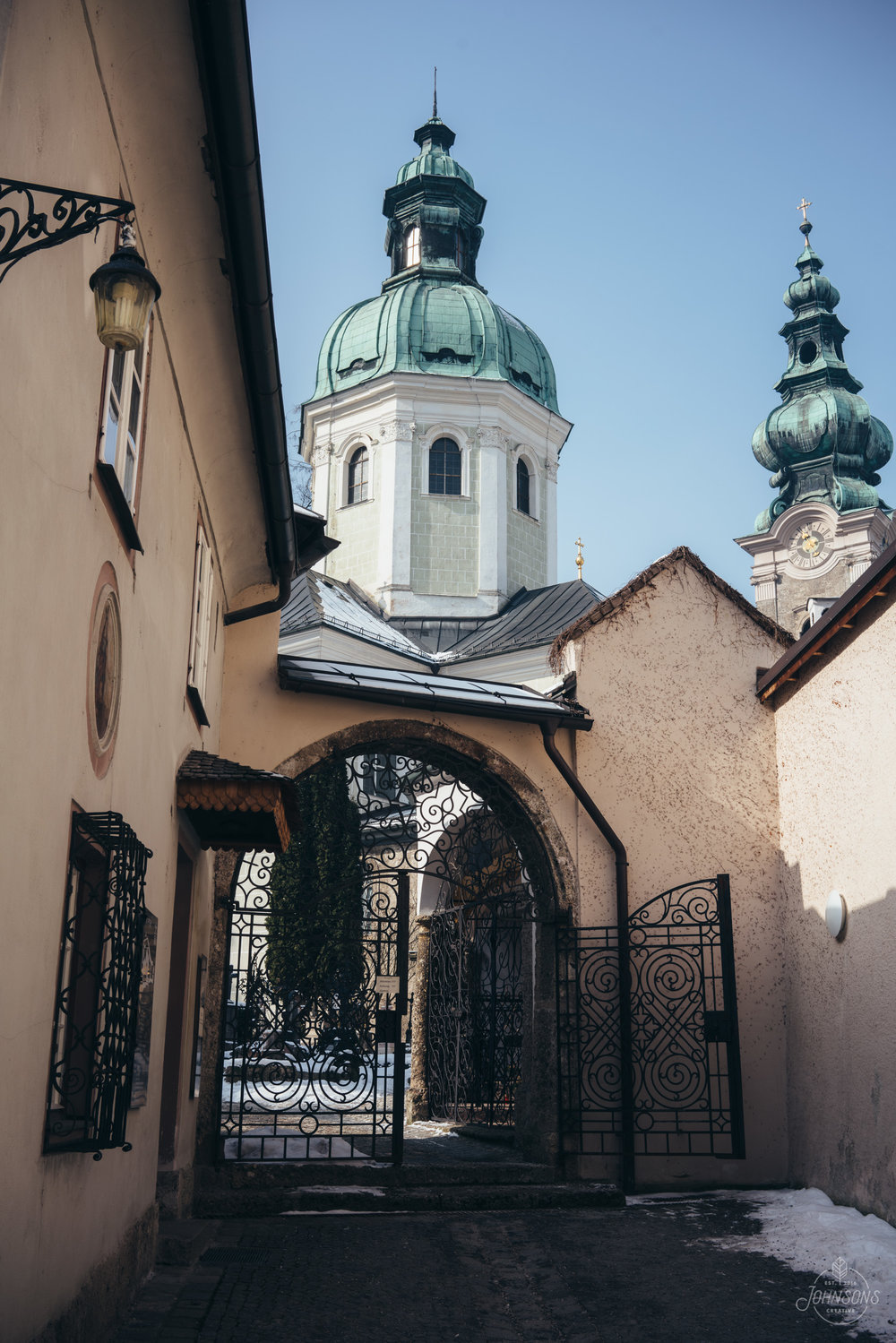 Sony a7rii | 35mm 2.8 | f9 | 1/100 | ISO 50 | 3 image stitched panoramic     Petersfriedhof Salzburg. Once again, this would be a way more eye-catching composition if it was just after a snowfall.