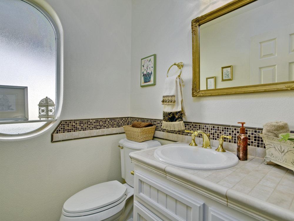 6221_ButterfieldWay_Int_Bathroom1_01.jpg