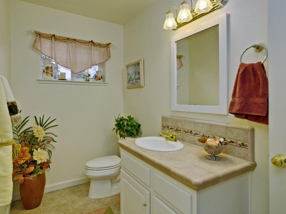6221_ButterfieldWay_Int_Bathroom2_01.jpg