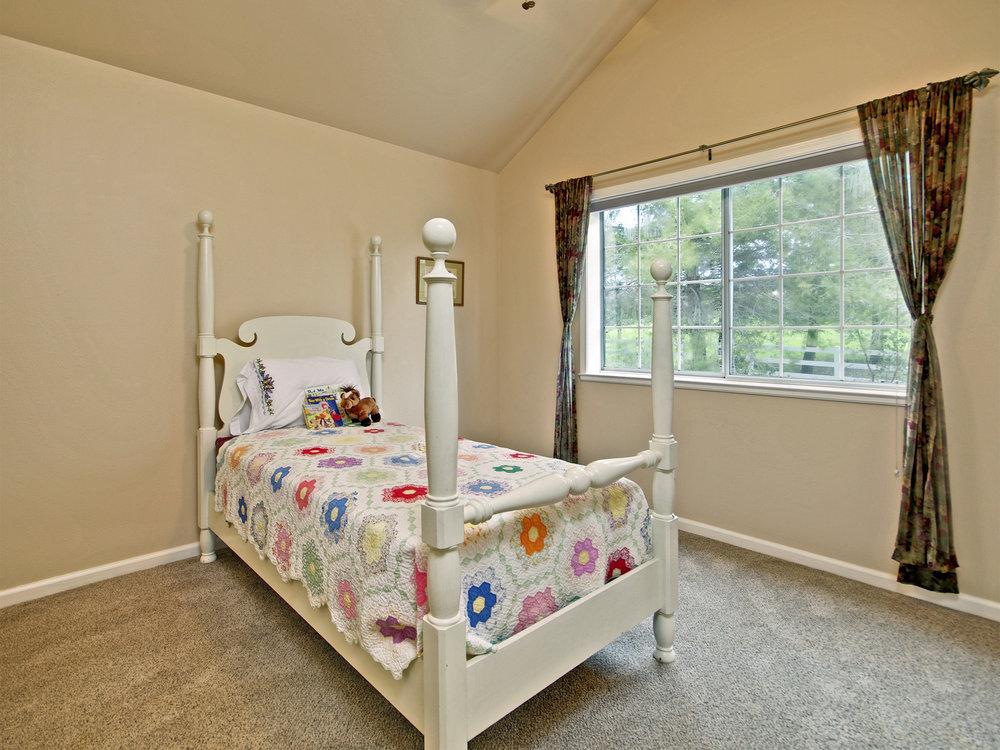 6221_ButterfieldWay_Int_Bedroom2_01.jpg