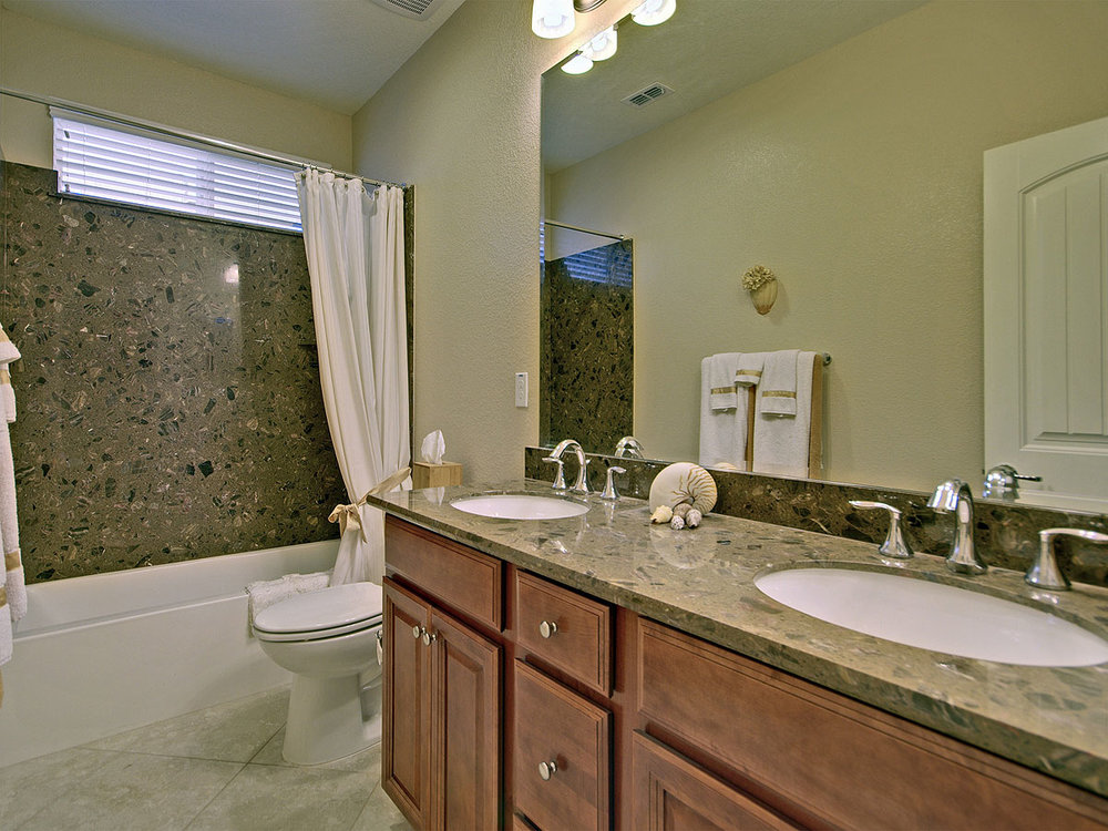 4014_DavidLoop_Int_Bathroom1_01.jpg