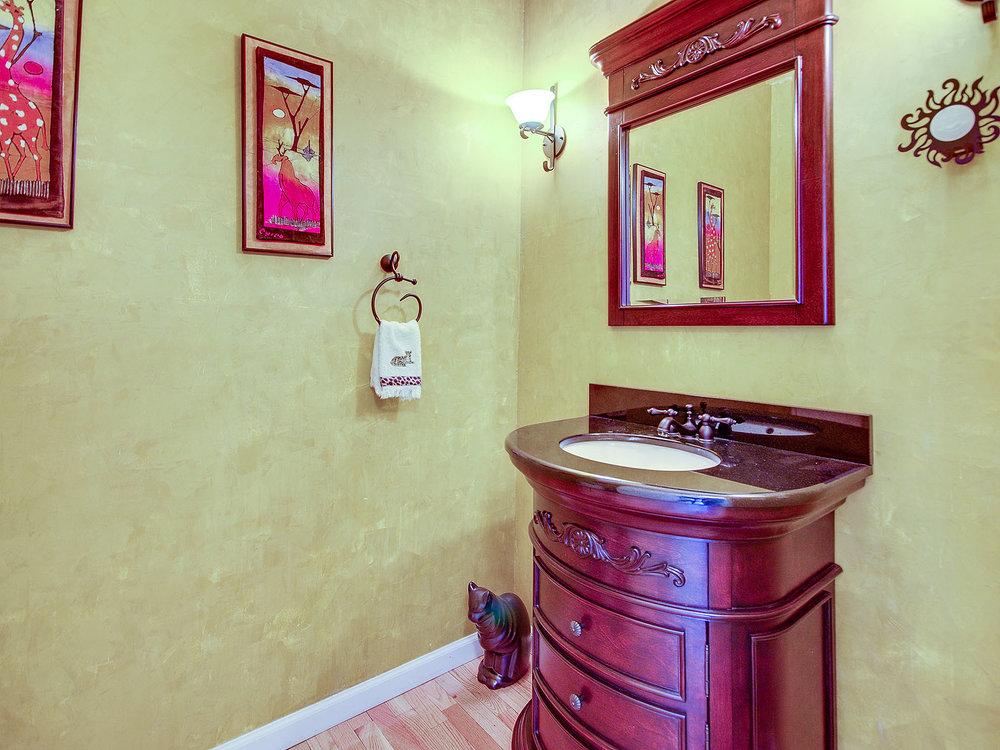 2346_SanfordCourt_Int_Bathroom1_01.jpg