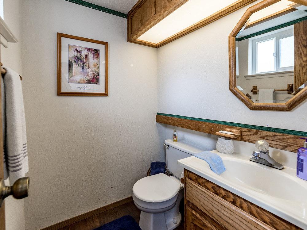 2856_OsborneRoad_Int_Bathroom2_01.jpg