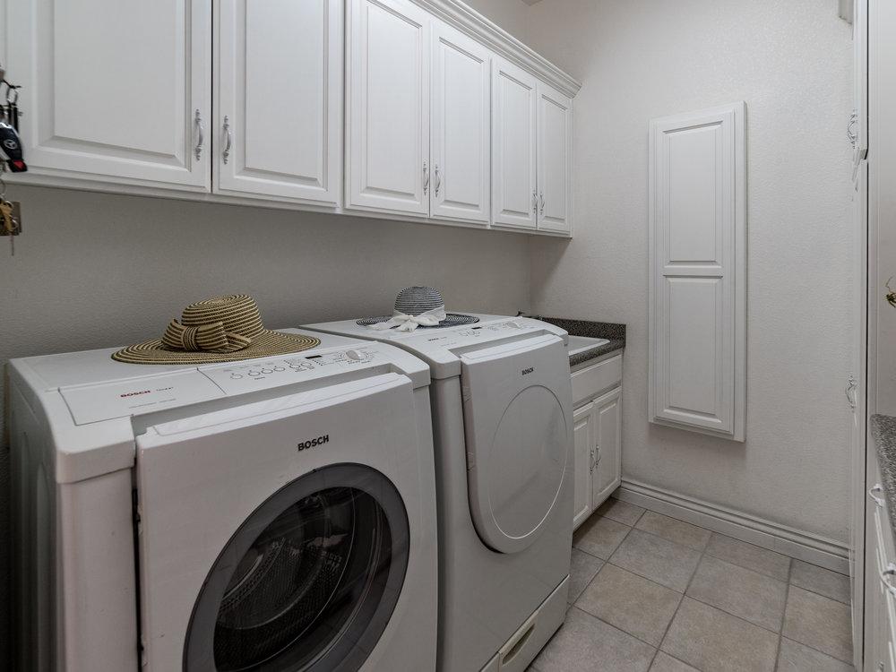 5008_BentCreekCourt_Int_Laundry_21.jpg
