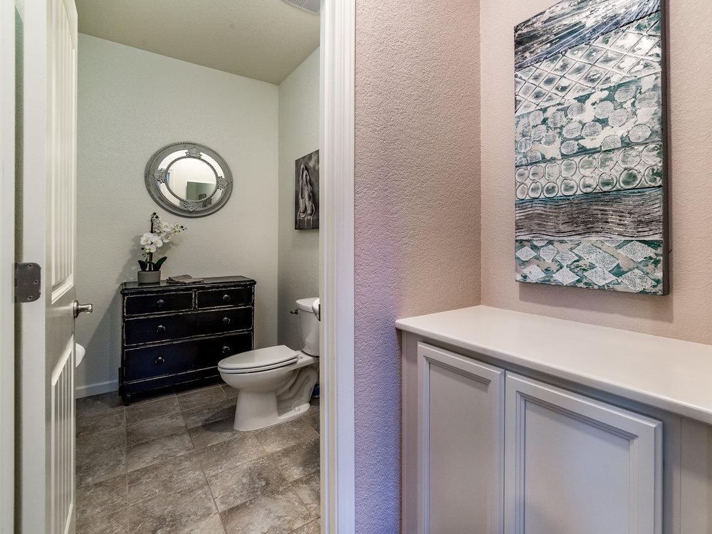 10981_MerrickWay_Int_Bathroom1_01.jpg
