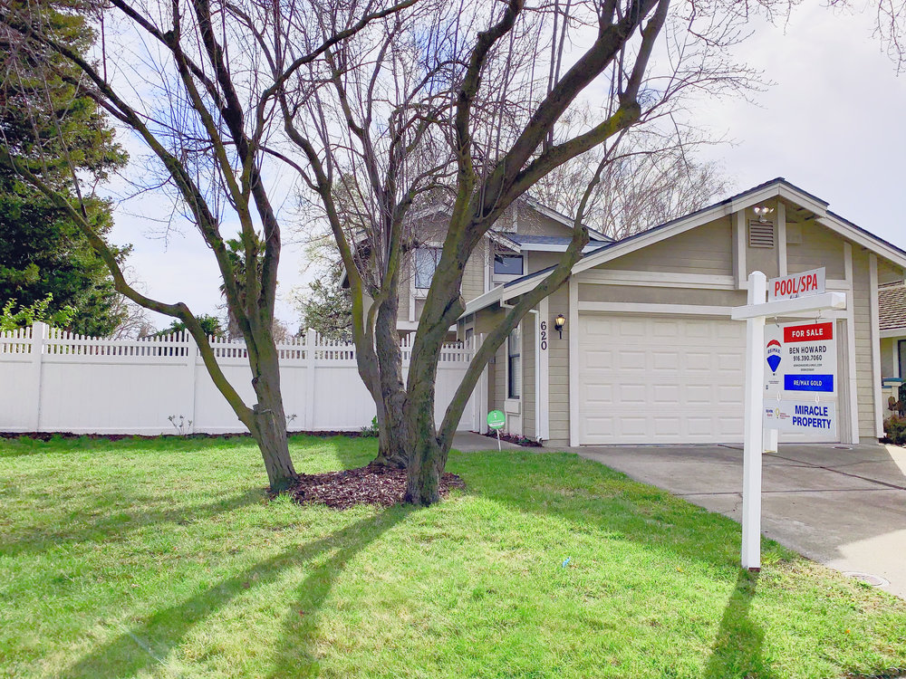 Pending in 6 Days With 7 Offers! - Sold For $26,000 over asking price. Contact me to find out the seven things I do to help sell your home for the price and terms you want.620 Cutting Way in Sacramento's Pocket neighborhood. Listed at $384,000