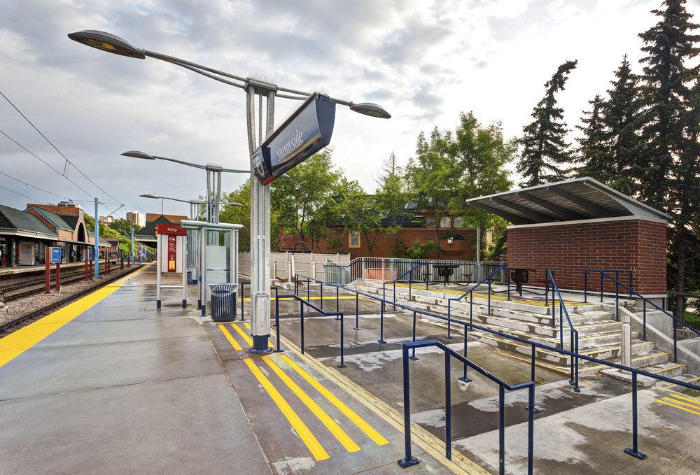 Sunnyside LRT Station