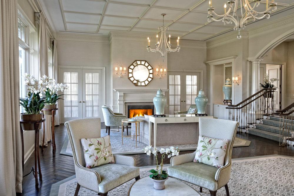 04_WoodwayCC_livingroom3 w_fire RT.jpg