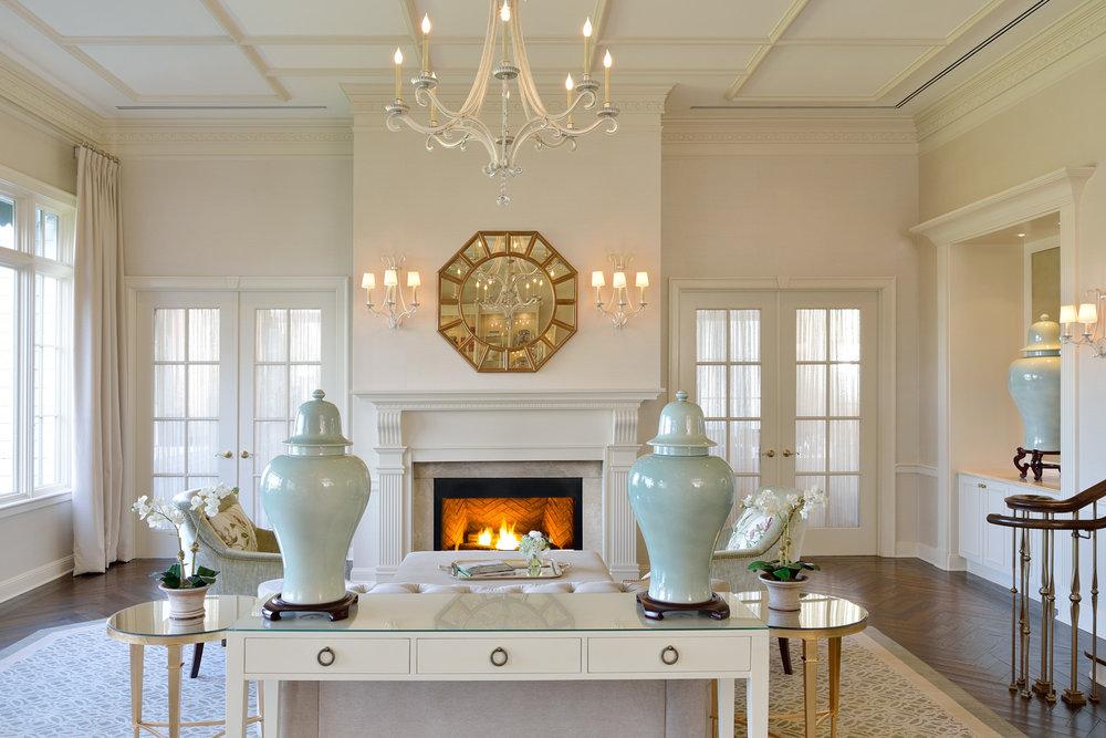 03_WoodwayCC_livingroom1 w_fire RT.jpg