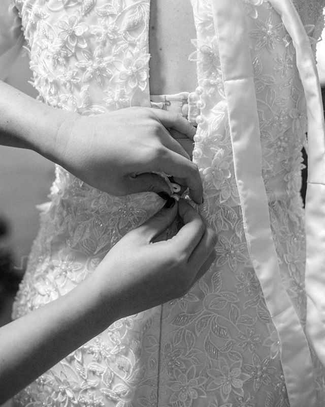 All the little details of the dress, almost every part was hand stitched ✨ photo by @molly_haley