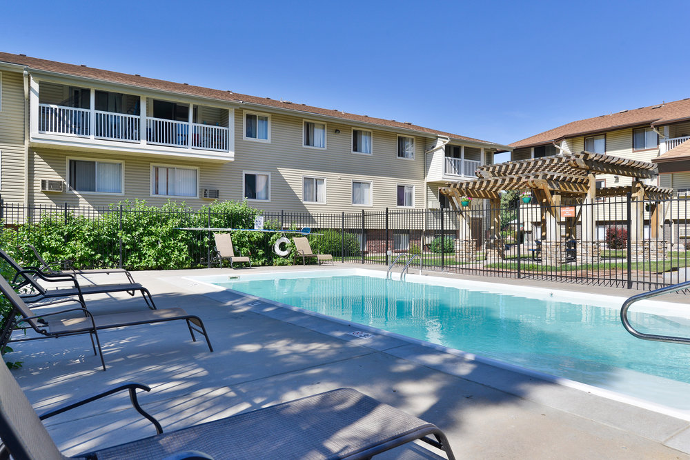 denver, Co ·390 units· multi-family ·1972 Located in Thornton, north of Denver, Timber Lodge is a 390-unit apartment community built in 1972. Each unit is fully renovated with wood-plank flooring and gracious walk-in closets. The community offers three swimming pools, a business center, a fitness center, a dog park and a playground, and spacious picnic areas with BBQs. Timber Lodge is conveniently located less than 9 miles north of Downtown Denver with close proximity to Interstate 25, Highway 36 and Denver International Airport.