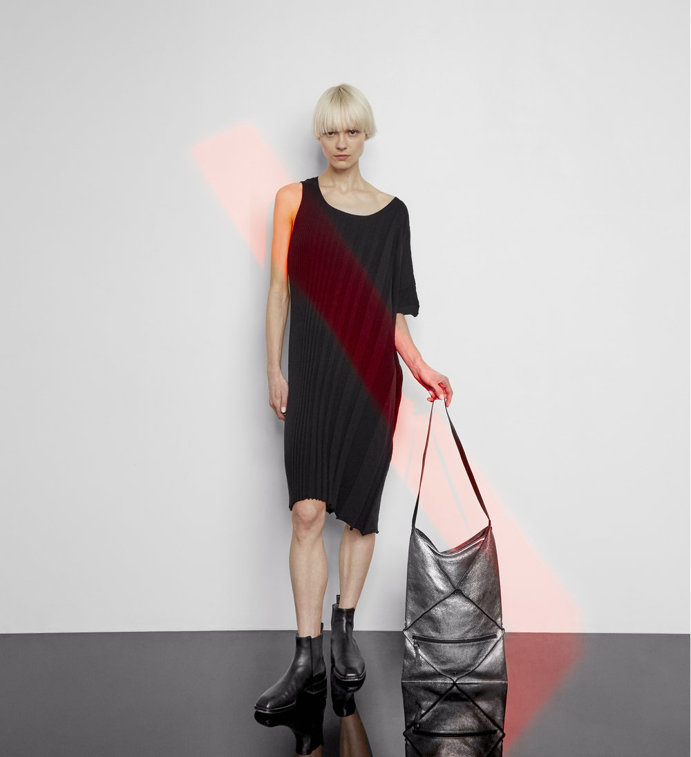 Hana shoulder bag in metallic leather - Large size