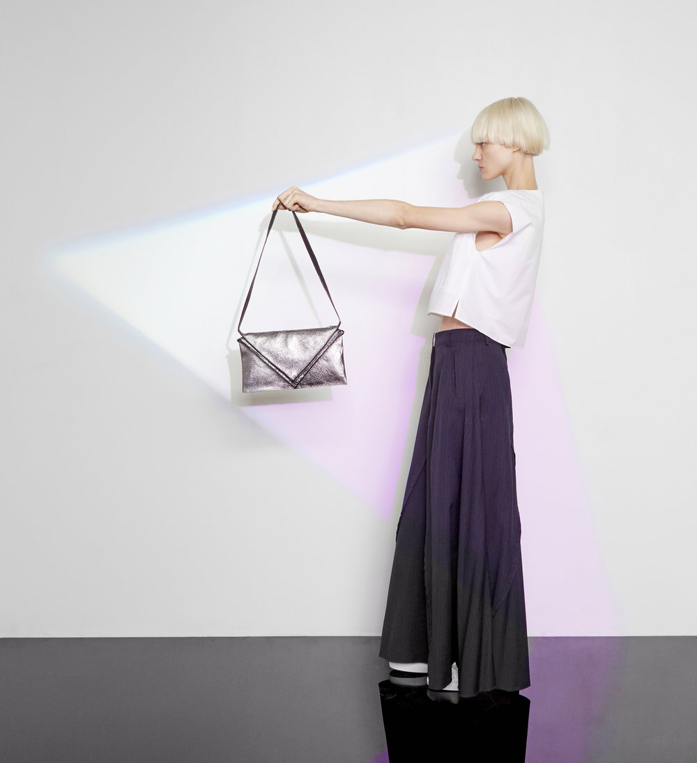 Hana shoulder bag in metallic leather - Small size