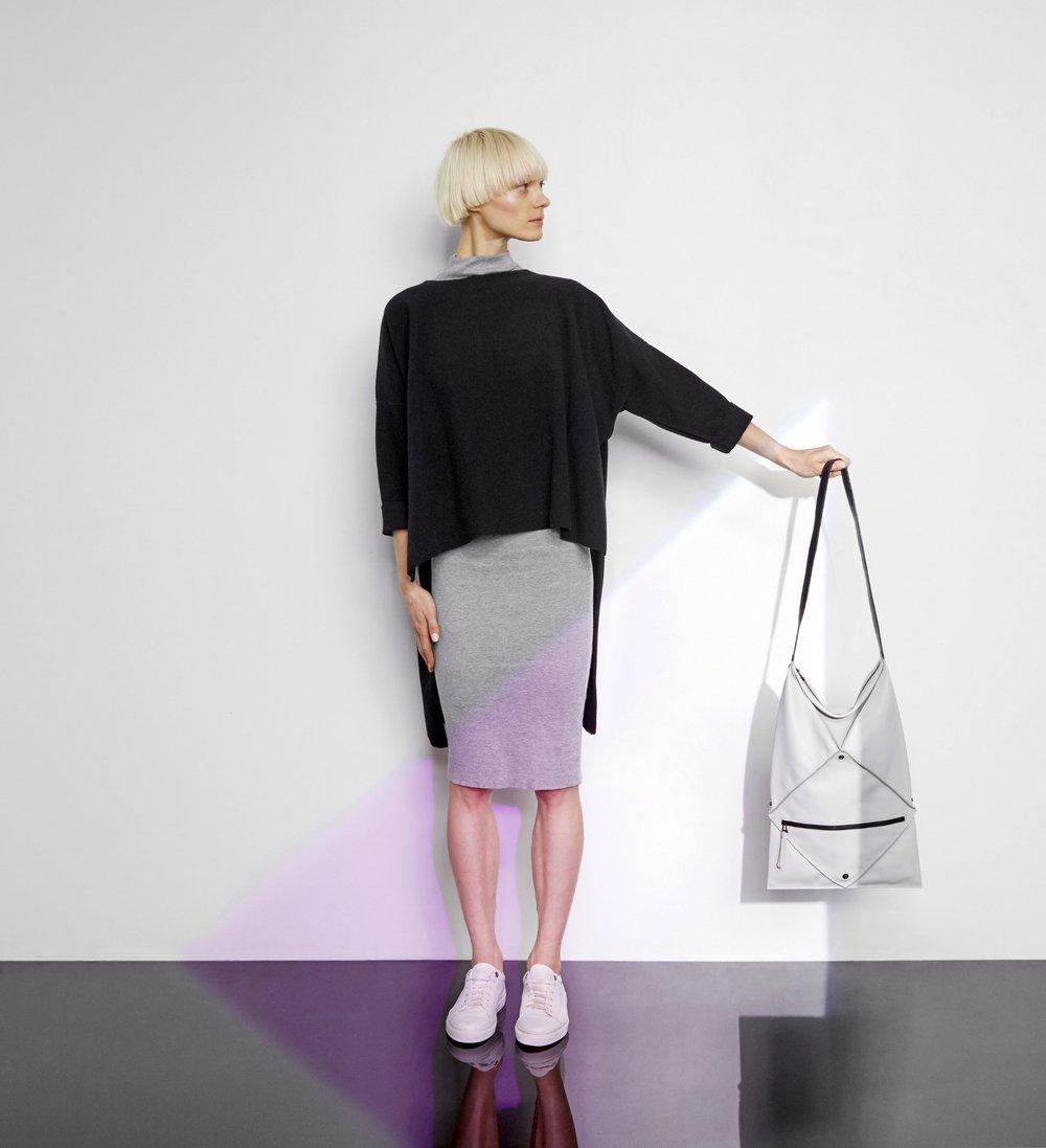 Hana shoulder bag in light grey - Large size