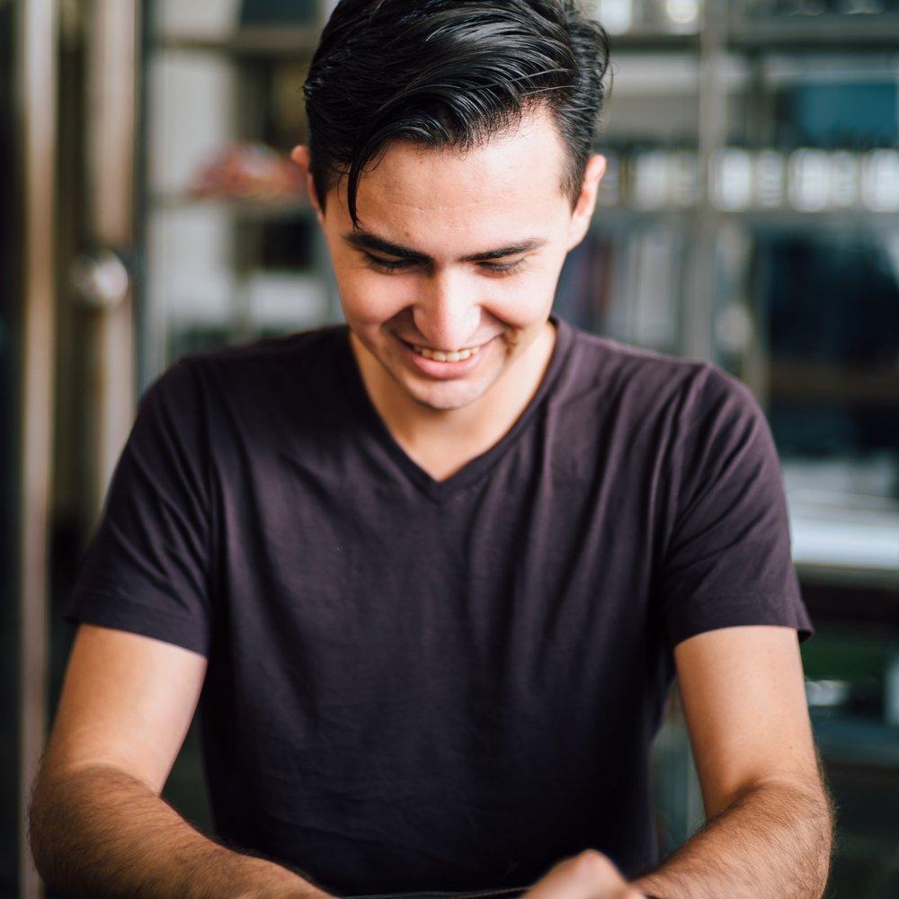 Jair Flores, Member