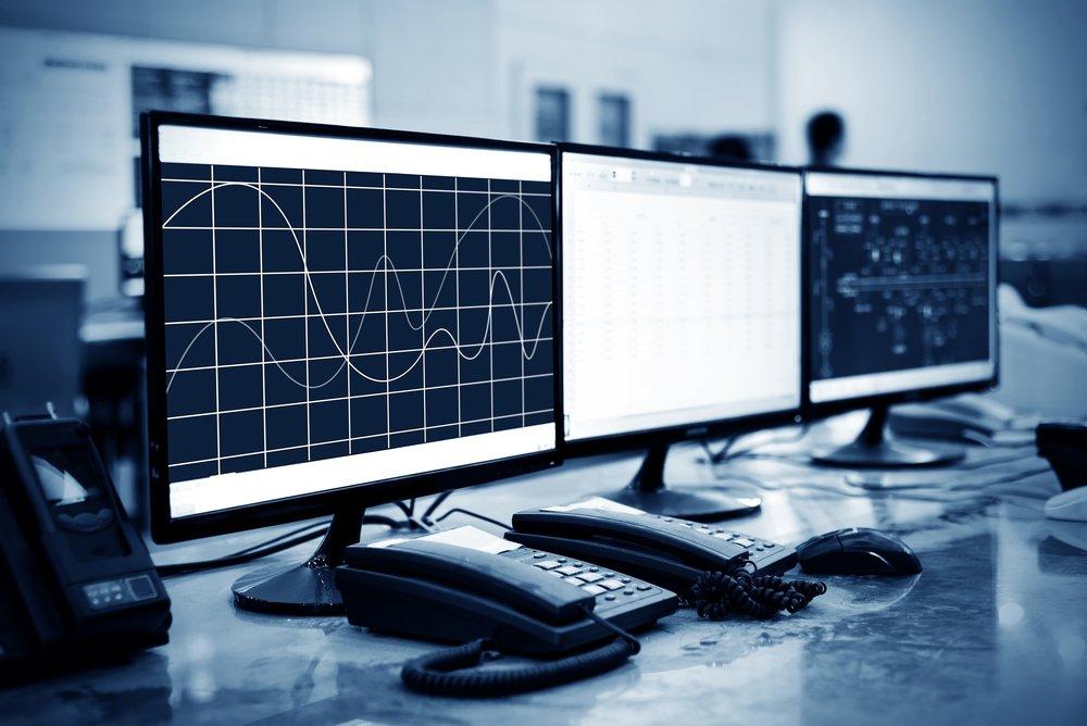 Servicios Profesionales ADICIONALES - - Soporte técnico sobre plataforma de Mesa de Ayuda 8x5 en Español- Reporte mensual de incidencias- Gestión de registros- Resolución de incidencias vía remota (máx. 5 al mes)- Modificación de políticas, altas y bajas de usuario (máx. 5 al mes)