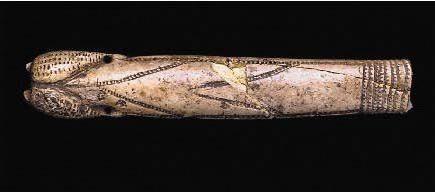 Неолит  Вырезанный из слоновой кости. Найден на территории современной Франции.