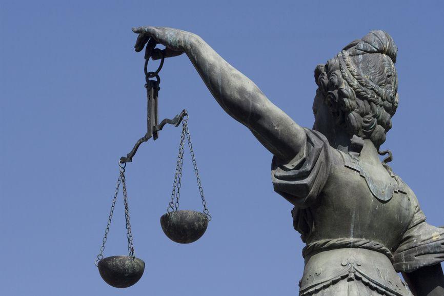Justizia C: clipdealer.de