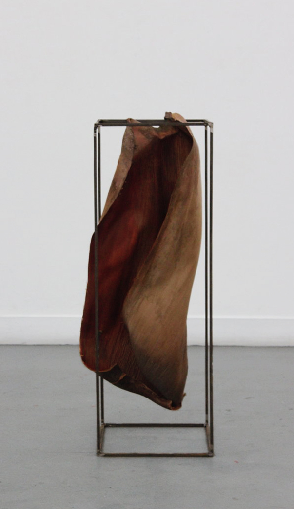 Roots Worn Thin, steel bar, date palm leaf, 150 x 46 x 40 cm, 2016