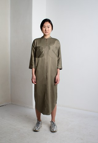SINZI (DNEPR, UKRAINE)     Sinzi makes such bold and minimalistic clothes, that you should check them out right away. My favourite piece is this khaki dress. I love the cut, the collar, the zip and on the back there is a fold that looks like kimono. But they also have more feminine stuff, like voluminous dresses and tops with ruffles. I think this brand has a very bright future and I am looking forward to see what they'll do for the next collection.