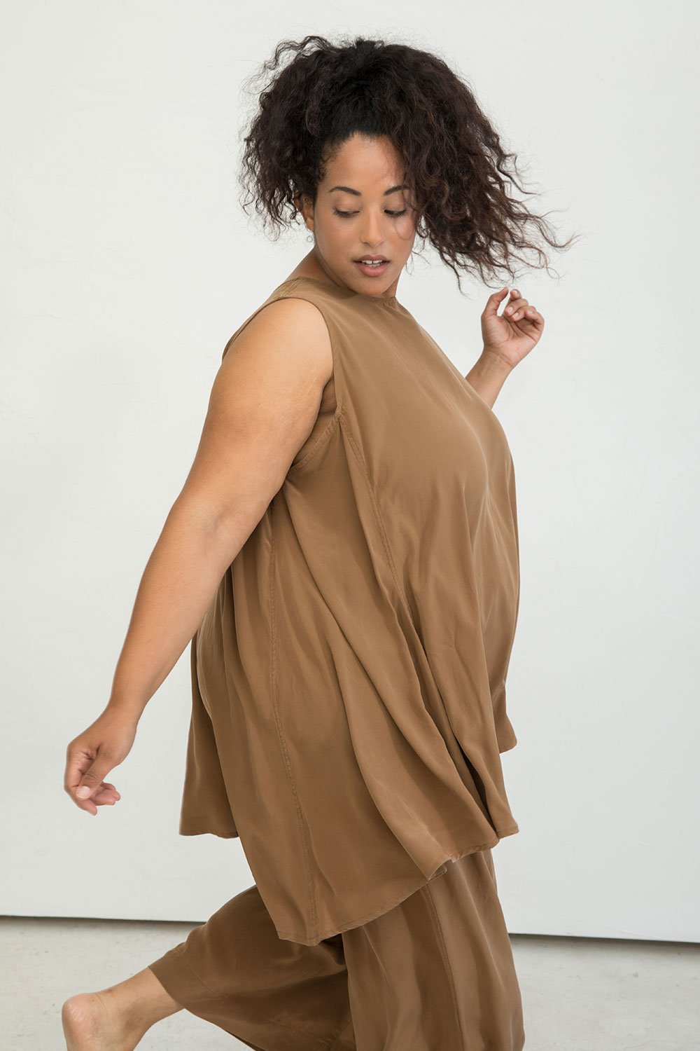 ELIZABETH SUZANN (ECO) - Beautiful elegant and casual clothes made out of silk and linen. $$$, US, Sizes: XS - 4XL, Worldwide delivery.
