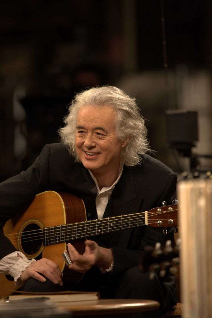 fe618ca850cfcb2cc061f8ed3ee6939d--january--jimmy-page.jpg