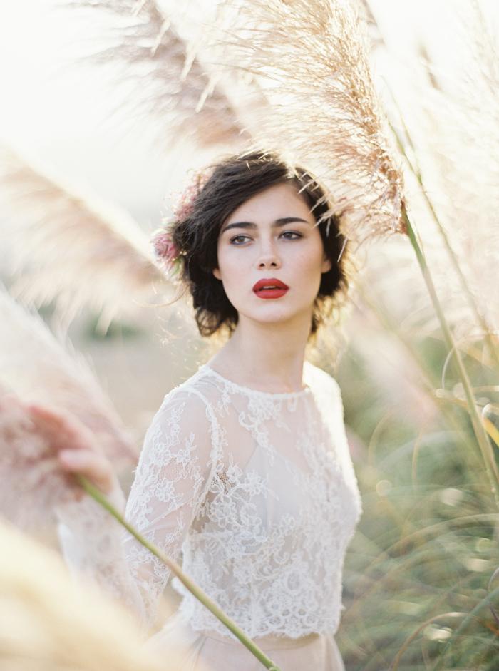 Photo Credit:http://thismodernromance.com/magnolia-rouge-editorial/