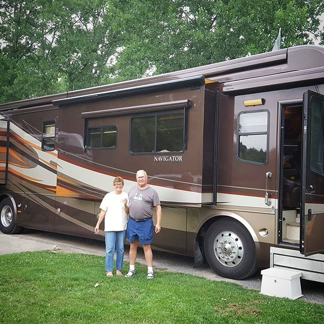 Happy awesome people on their adventure to Canada. #rv #whitewine #adventure #steps #happytrails