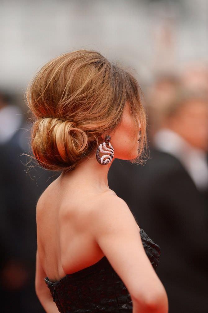Αποτέλεσμα εικόνας για bun hairstyles for saree