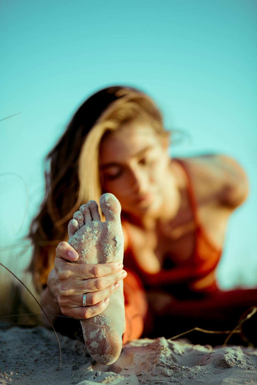 Caitlin_yoga_lifestyle_vaniaelise-J18A2354-Edit.jpg