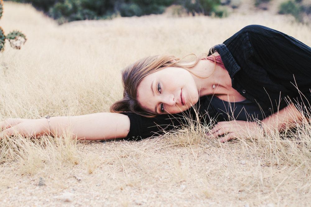 Sydney_senior-portrait_vaniaelisephotography--39.jpg