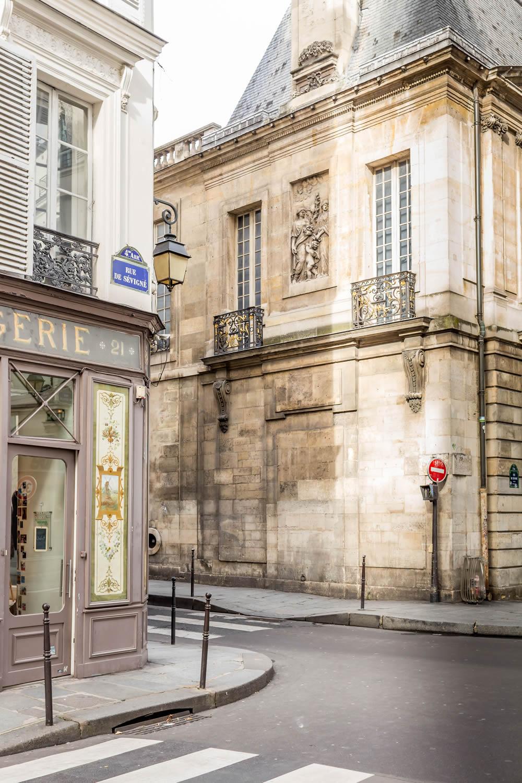 rue-de-sevigne.jpg