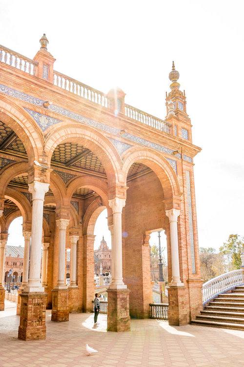 Morning stroll at Plaza de Espana