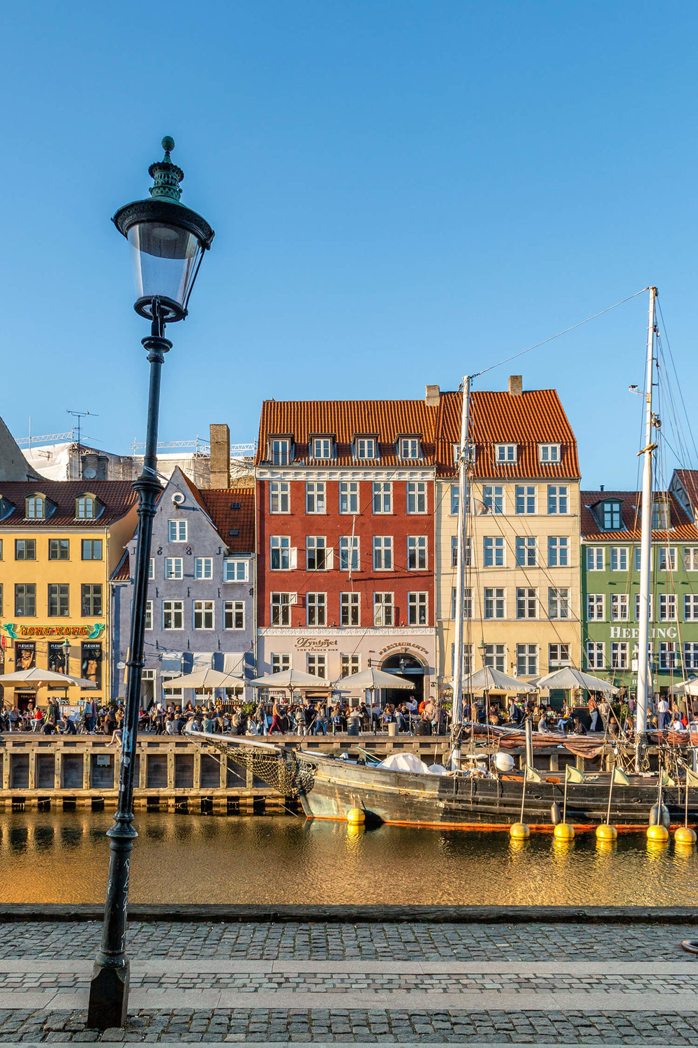 Nyhavn and its street lamp