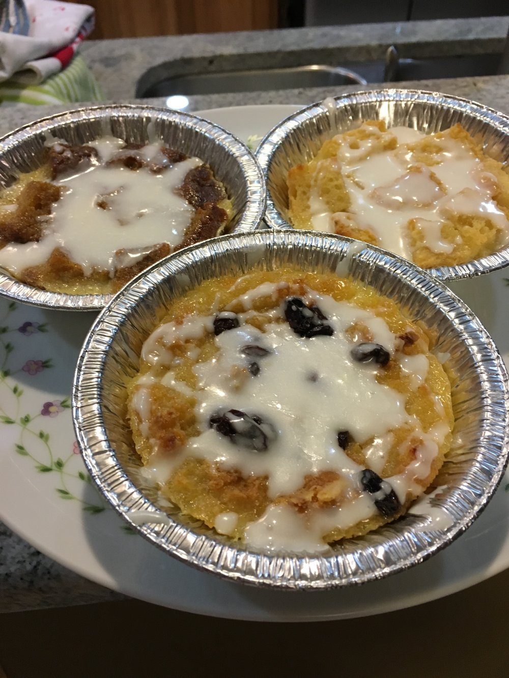 VARIETY FLAVOR BREAD PUDDING
