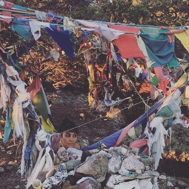Sunset hike with my 💕 #mountainmamma #prayerflags #fitmom #mombossliving #motherearth