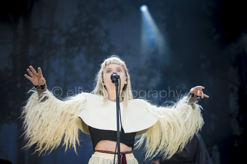 Aurora singing on Træna festivalen. Singer songwriter from Norway. Powerful performance. Ellis Peeters Photography