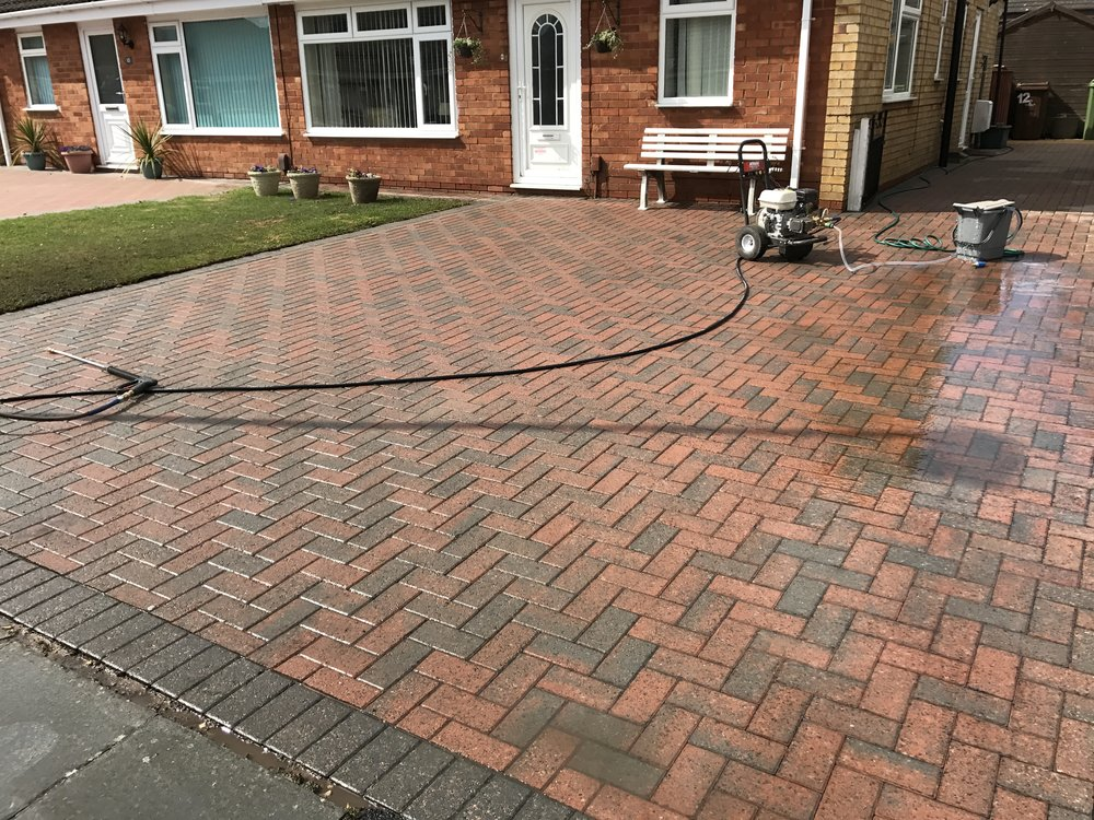 PRESSURE WASHING Gloucester   REQUEST A QUOTATION