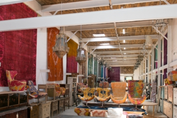 100+ Vintage Rugs, Chinese Antiques, Live Edge Tables, One of kind Upholstery, Ceramics, Lighting