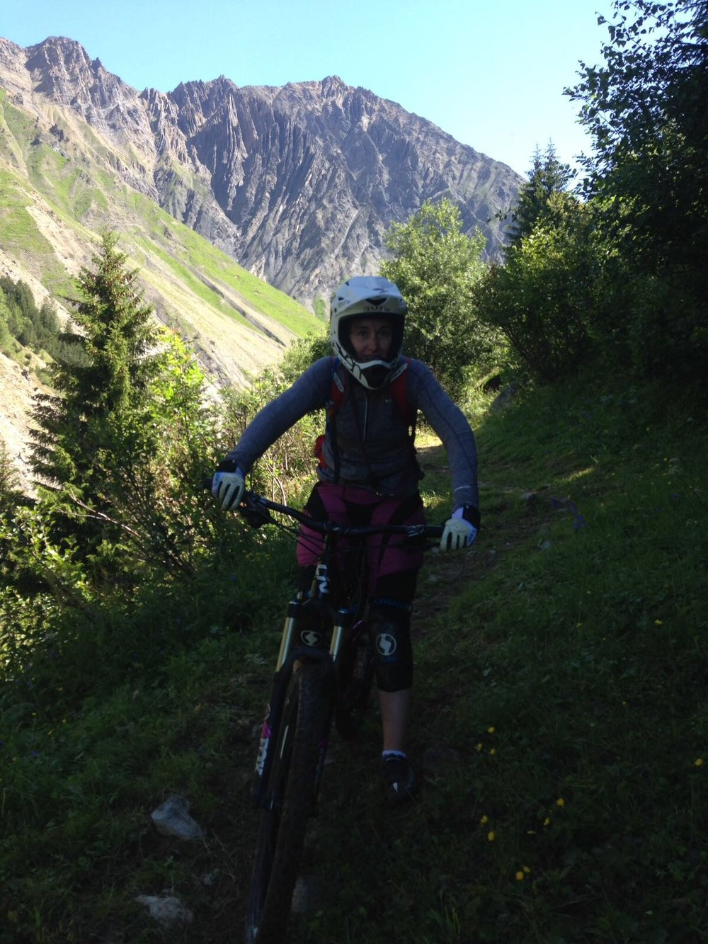 Mountain biking is a popular summer pursuit. Each season thousands flock for the Megaavalanche race, from glacier to valley bottom. There is lift served mountain biking straight into Oz en Oisans. Bike rental in the village.