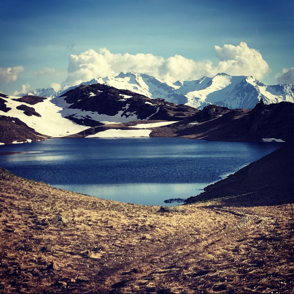 Hiking right from the chalet door step. Will you be brave enough to cool off in the lake ?