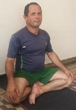 Juan Carlos Rodríguez Hernández  Maestro de Yoga Registrado y Certificado por Yoga Alliance RYT200. tlf.Movil: (+53) 58154553, email : jcarlos.rh@nauta.c u. Clases: en lugar acordado en Holguín. Cuba. Horario previamente acordado.  Imparto clases de introducción al Yoga, introducción  a la  práctica de meditación y yoga para lidiar con la ansiedad y el estress .