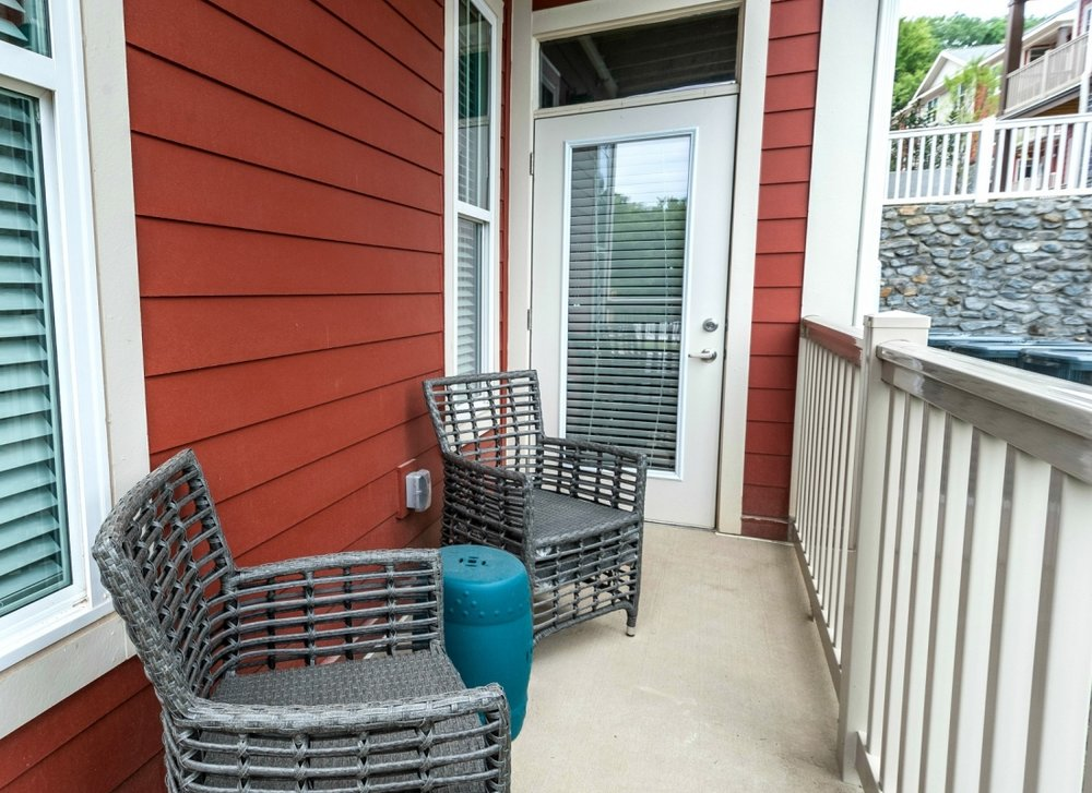 Apartment Home with Balcony in Bellevue (Nashville, TN)