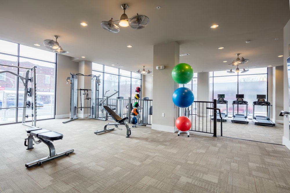 Apartments under $1000 with Gyms, Pools, and Luxury finishes