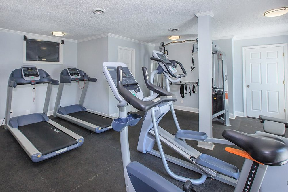 24 hour fitness facility close to Downtown Nashville