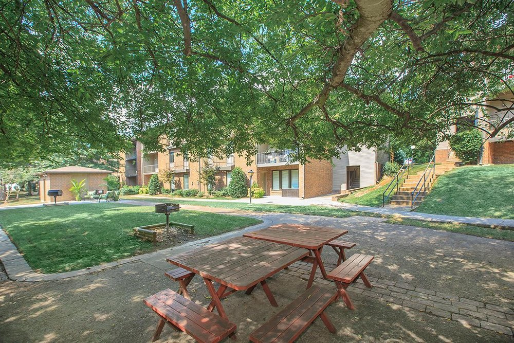 Outdoor Spaces moments from Downtown in West Nashville Close to Vanderbilt, Belmont, and More
