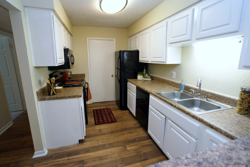 Hardwood Floors in an Affordable Apartment in Hendersonville and Gallatin