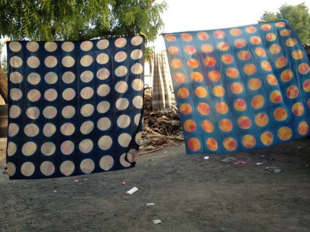 http://www.vam.ac.uk/blog/fabric-of-india/the-moon-sari