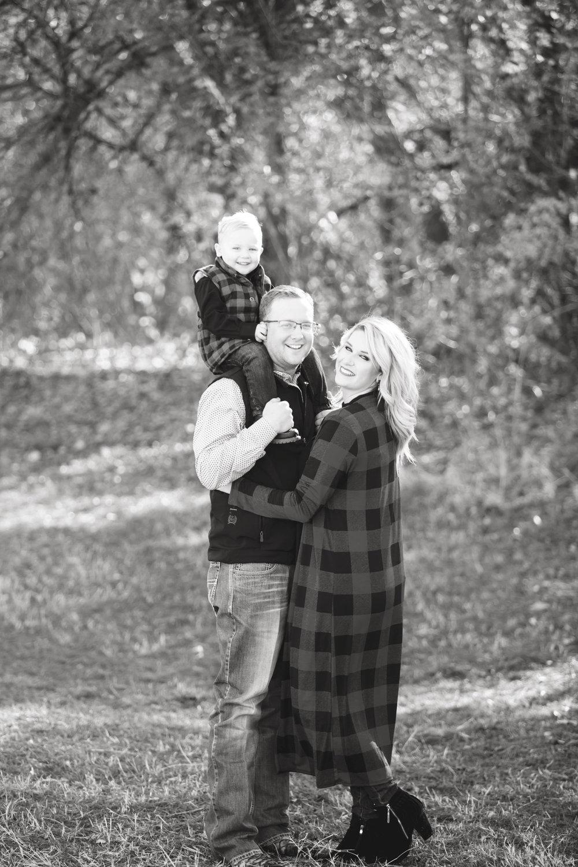 Marble_Falls_Stokes_Family_Photographer_Jenna_Petty_15.jpg